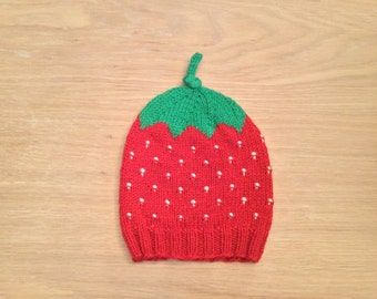 Hand knitted strawberry baby hat / baby beanie / winter hat / red