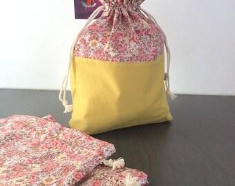 Pochon fleuri style Liberty en coton ou sac à encours tricot ou crochet