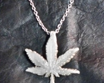 sterling silver weed leaf pendant