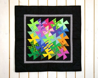 Bright Rainbow Baby Patchwork, Rainbow Wall Hanging, Bright Wall Hanging, Rainbow Baby Décor, Rainbow Table Topper, Babyparty