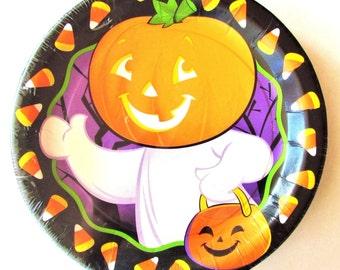 "American Greetings DesignWare Halloween ""Trick or Treat Parade"" Paper Dessert Plates - 12 Plates"