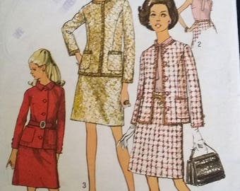 Three piece suit with three jacket variations - Size 12 (Bust 86cm) - Simplicity 8597