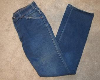 Vintage Preworn Levi Strauss Action Casuals  Mom Jeans Dark Wash Denim Grunge Punk