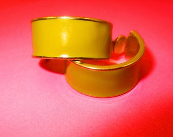 Vintage Mustard Yellow Earrings