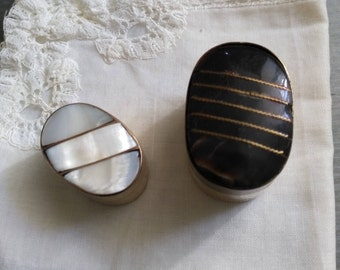 Small oval boxes vintage Pearl and stone. Vintage pill box. Pill boxes from collection. Trinket Box