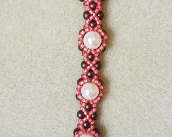 Pearl halo bracelet