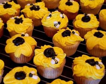Sunflower cupcakes with Bee Hive