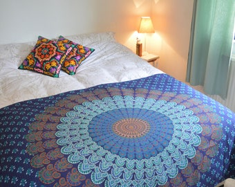 Single Mandala Patterned Throw/Wall Hanging in Navy Blue & Teal Green