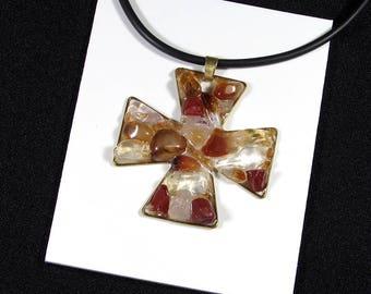 "Pendant ""cross Malta"" quartz crystal, Carnelian and bronze"