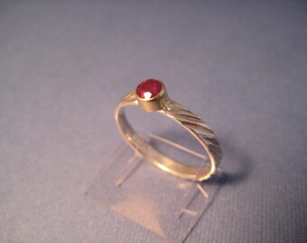 Perfect pink red Ruby ring 18kt and sterling stackable ring