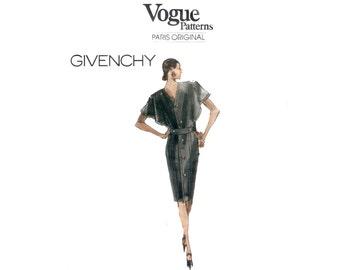80s uncut Vogue Paris Original pattern SALE Givenchy Dress 32.5-25-34.5 Button Back Dress vogue 2303