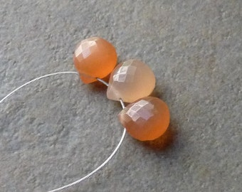 AAA Peach Moonstone Faceted Heart Briolettes - 7mm - 3 beads