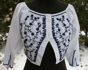 SALE was 23.00 White blue embroidered crop top blouse shirt Pier 1 Passport India cotton small