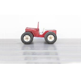 Red Metal Jeep Dune Buggy