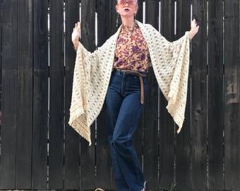 Crochet Scarf // Boho Shawl // Hippie // Bohemian Bride // Shrug // Fringe // Oversized Scarf // 1970s 70s Accessories // Festival Fashion