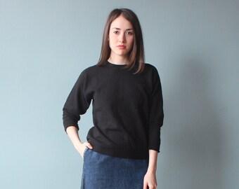 black pullover sweatshirt | black sweater | small