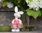 Needle Felt Bunny - Needle Felted Bunny - Easter Bunny - Easter Decoration - Easter Decor -  Wool Bunny - Easter Décor - Bear Creek Bunny