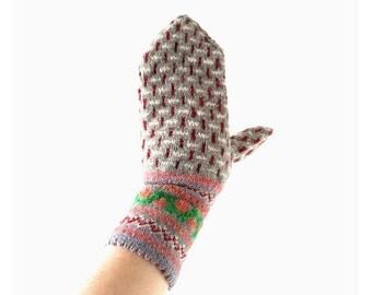 Vintage Nordic Mittens | Hand Knit Mittens | Scandinavian Mittens | M L