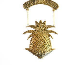 Mid Century Brass Pineapple Welcome Sign / Vintage Brass Pineapple Sign / Brass Welcome Pineapple / Hanging Brass Pineapple Welcome Sign