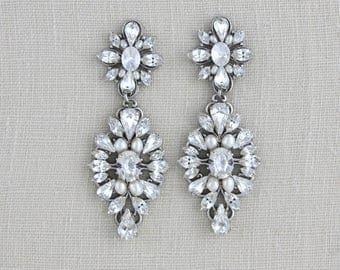 Crystal Bridal earrings, Wedding earrings, Bridal jewelry, Swarovski crystal earrings, Pearl earrings, Chandelier earrings, Vintage style
