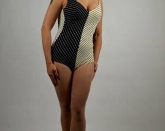 Vintage One Piece Bathing Suit, 50's Bathing Suit, 1950's Swimwear, Black White Swimwear, One Piece Swimsuit, Pin Up Swimwear