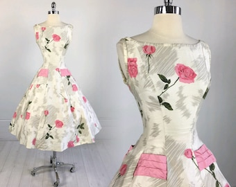Vintage 50s ROSE PRINT DRESS by Jr. Flair full circle skirt fit and flare pin-up gray pink white novelty netted crinoline cotton S xs