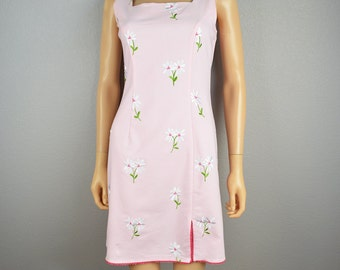 90s Daisy Print Dress Sleeveless Embroidered Pale Pink Dress Knee Length 90s Clothing Epsteam