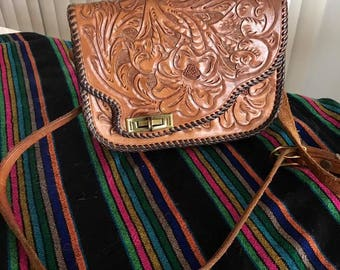 Vintage Mexican Leather Tooled Roses Purse -- Southwestern -- Rockabilly -- Western -- Mexican