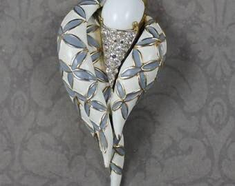 Jomaz 1960s Vintage White and Gray Enamel Rhinestone Twist Brooch