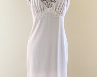 Vintage 1970s Komar Silky White Nylon Lace Full Slip - 36 average
