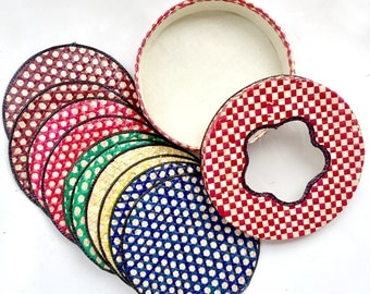 Vintage Hot Pad Set,  12 Straw Hot Pads in Box, Colorful Raffia Trivet Set, 13pc Woven Straw Trivet Set, Round Straw Coasters in Box