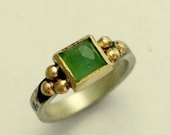 Green quartz ring, Sterling Silver gold Ring, engagement ring, twotone ring, hammered ring, gemstone ring, stacker ring - Here for you R1322