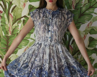 50s Cotton Dress / Cotton Printed Shirt Dress / Blue and White Dress / 1950's Pinup Dress / Fifties Day Dress / Summer Dress / Bridal