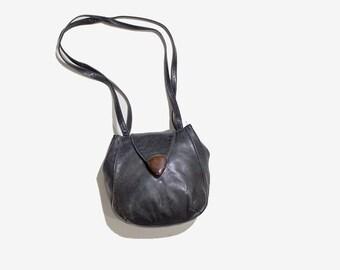 Vintage Leather Bucket Bag / Black Bucket Bag / Italian Leather Bag / Leather Shoulder Purse / Mini Leather Purse