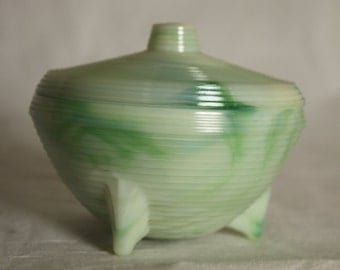 Akro Agate Swirled green white Marbelized Powder Jar Vanity slag glass Akro Crow Great condition Perfect Gift 3 Toed Nappy Cosmetic Jar