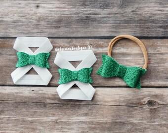 Baby Girl Barefoot Sandals; Green Glitter Nylon Bow Headband; St Patricks Day Sandals; St Pattys Day Headband; Infant sandals; nylon bow