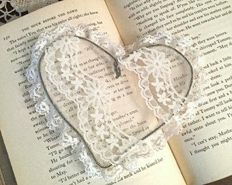 Lace wire heart