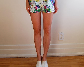 vintage floral shorts with stretchy waistband