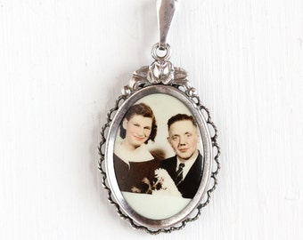 Vintage Art Deco Photographic Pendant Necklace- 1930s 1940s WWII Germany Old Stock Silver Plated Historical Celluloid Couple Picture Jewelry