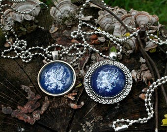 Grey Warden Small pendant necklace