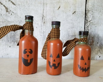 Primitive Pumpkin Bottle, Primitive Fall Decor, Jack o' Lantern, Pumpkin Bottle, Halloween Decoration, Primitive Decor,  Nip Bottle