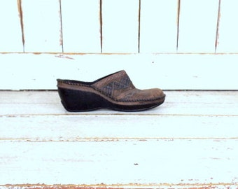 Clark Artisan Collection brown leather wedge clogs/distressed leather high heel mule sandals/9.5