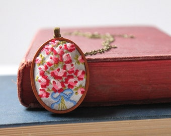 embroidered rose bouquet necklace | Margaret Hale | North and South | Elizabeth Gaskell | literary pendant | flower jewelry | gift for her