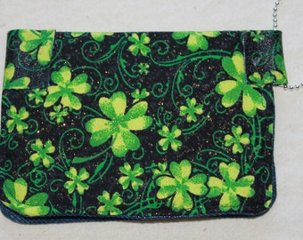 keychain wallet, credit cards, earbuds, usb, gift cards.