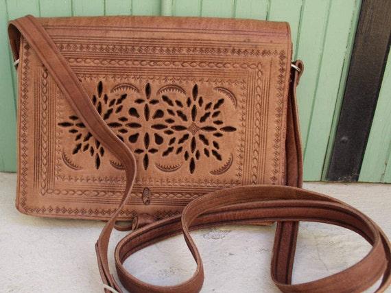 Leather Saddle Bag, Cross Body Bag, Leather Bag, Cross-body Bag, Women Handbag, Vintage style saddle bag,embossed bag