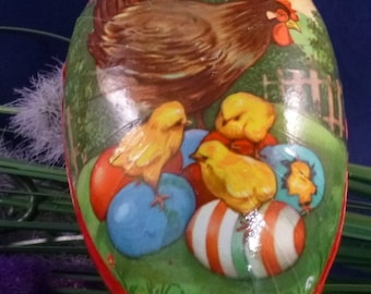 Mother Hen with Chicks Vintage Western Germany Paper Mache Easter Egg Container, 1950s