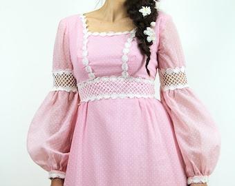 70s Vintage Maxi Dress LATTICE Lace & Daisies Pink Polkadot Prairie Maxi  // Vintage Clothing by TatiTati Style on Etsy