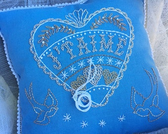 Folk Art style Hand Embroidered Blue J'Taime Love Heart Ring Pillow for Wedding Engagement Gift
