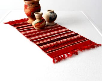 1950s Mexicana table mat, vintage southwest red woven table runner