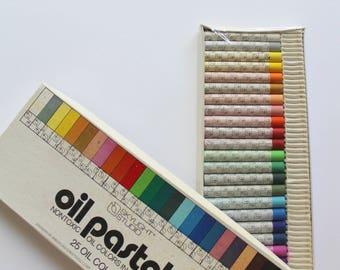 Vintage New Set of 25 Oil Pastels 1980s